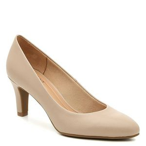🆕️ BRAND NEW IN BOX Abella Pump Nude for Sale in Bothell, WA