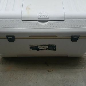 Igloo Cooler for Sale in Clayton, NC
