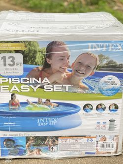 Intex Swimming Pool Piscina 13 ft x 33 in with Filter Pump Brand New for Sale in Alexandria,  VA