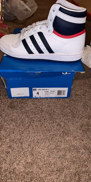 High Top adidas Size: 4 for Sale in St. Louis, MO