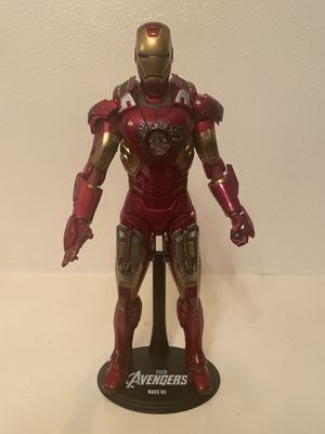Hot Toys Iron Man The Avengers Disney Hot Toys Figure for Sale in Las Vegas, NV