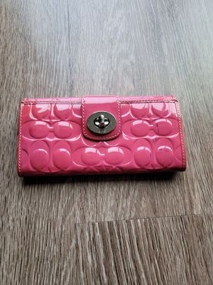 Coach pink patent leather wallet for Sale in Suwanee, GA