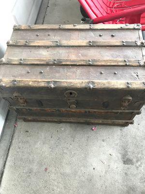 Vintage steamer wardrobe trunk for Sale in Seal Beach, CA