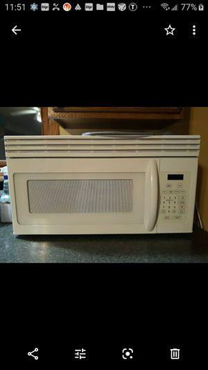 1550 Watt Microwave for Sale in Fox Lake, IL