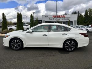 2017 Nissan Altima for Sale in Puyallup, WA