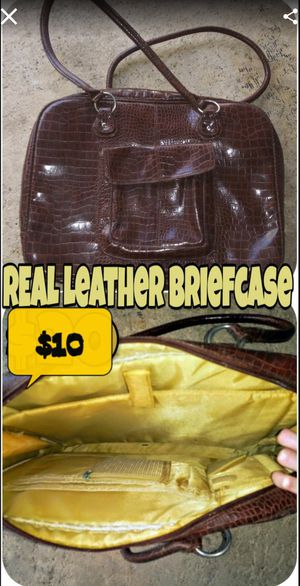 Leather breifcase for Sale in Spring Hill, FL