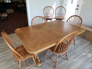 Kitchen table/chairs and bar stools for Sale in Raleigh, NC