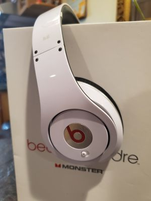 Beats By Dre Studio Monster Headphones w/ 3 aux cables for Sale in Pacifica, CA