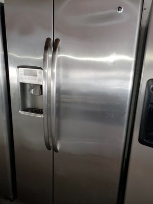Refrigerator 36inches perfect condition for Sale in Miami Lakes, FL