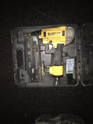 Dewalt finish gun 16 gauge for Sale in Plainville, MA