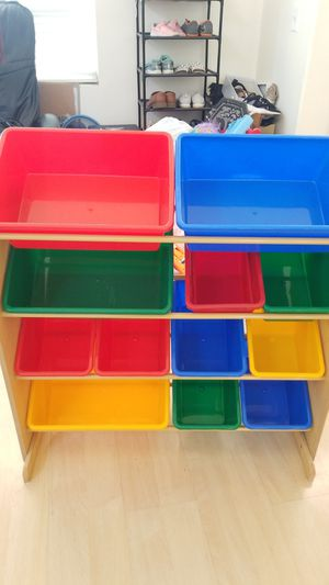So clean. Like new condition large toy bin. for Sale in Chino Hills, CA