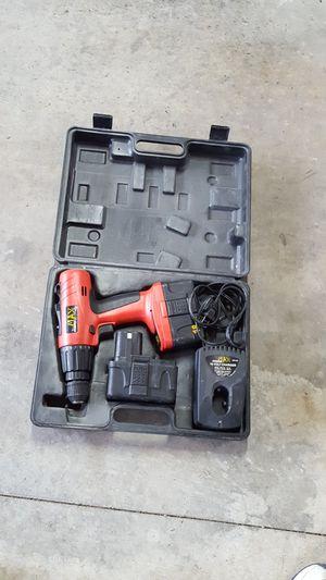 PowerMax 18 volt drill driver set for Sale in Clinton, IL