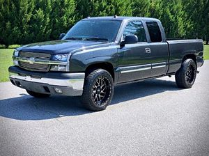 ֆ14OO O4-CHEVY SILVERADO-LT 4WD for Sale in Farmville, VA
