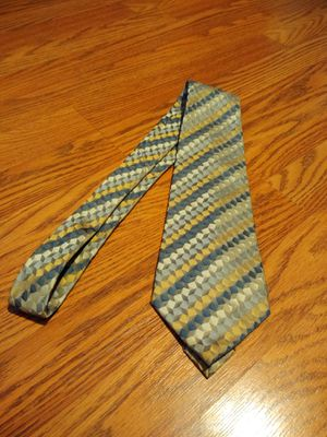 Van Heusen silk tie treated with stain resistance treatment for Sale in Eugene, OR