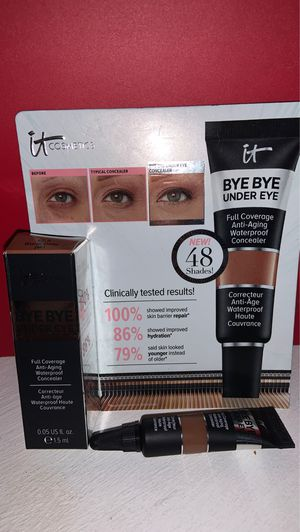 Sample size It Bye bye under eye concealer...warm deep for Sale in Whittier, CA