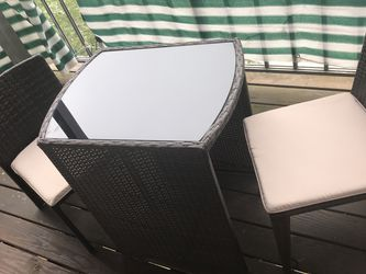 Patio Table And Chairs for Sale in Alexandria,  VA