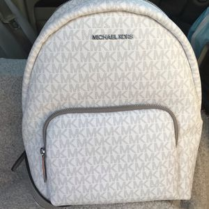 Authentic Michael Kors Backpack 🎒 for Sale in Lakewood, WA
