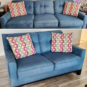 Sofa and love seat for Sale in Fort Lauderdale, FL