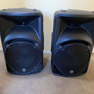 2 Mackie Powered Speaker SRM450 (Pair) for Sale in Chula Vista, CA