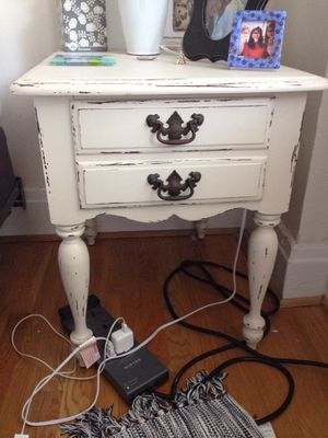 Shabby chic bedroom set for Sale in Lake Ridge, VA