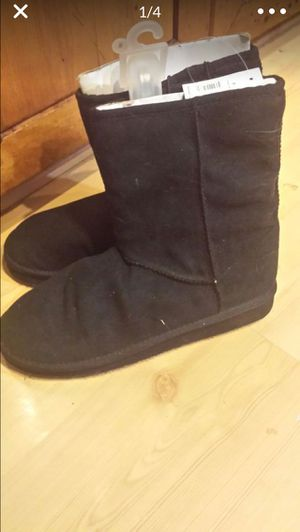 Girl boots size 8 for Sale in Bowie, MD