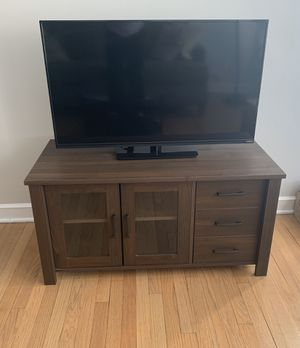 """40"""" TV + Stand for Sale in Chicago, IL"""