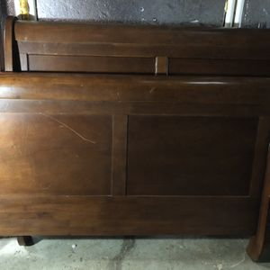 Sleigh Bed -Queen for Sale in Sheridan, OR