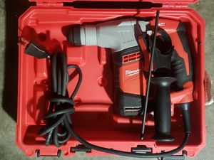 Milwaukee 5.5 Amp 5/8 in. Corded SDS-plus Concrete/Masonry Rotary Hammer Drill Kit with Case for Sale in Greenville, SC