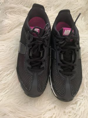 Nike Zoom Trainer Essential {contact info removed} - Black Athletic Shoes Women's 8 for Sale in Hawthorne, CA