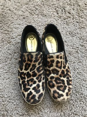 Move out final sale: Michael Kors leather sneakers for Sale in Denver, CO
