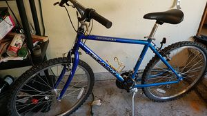 Giant boulder mountain bike 17 .5 inch for Sale in University Place, WA