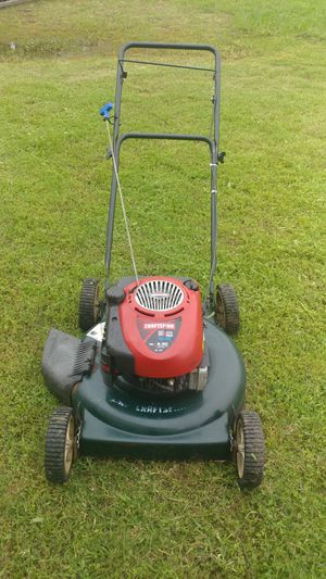 Craftsman lawn mower for Sale in Grand Prairie, TX