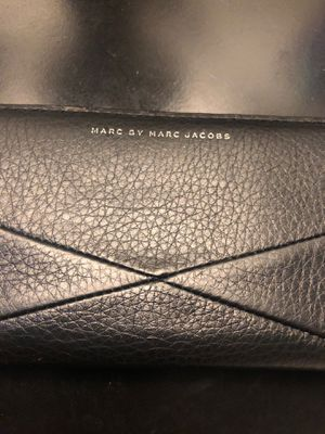 Marc Jacobs women's black wallet for Sale in Beaumont, CA