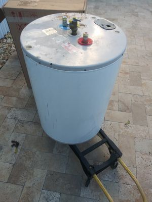 38g water heater for Sale in Hollywood, FL