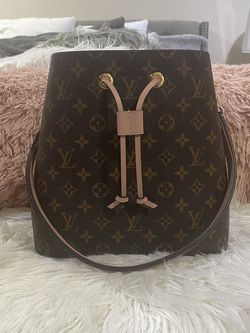 Louis Vuitton Neo Noe Rose Poudre Shoulder Bag for Sale in Happy Valley,  OR