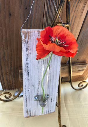 Glass test tube flower vase with metal support. for Sale in Fresno, CA