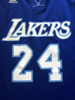 Adidas KOBE BRYANT #24 Los Angeles LAKERS Basketball Jersey Size XL for Sale in Los Angeles, CA
