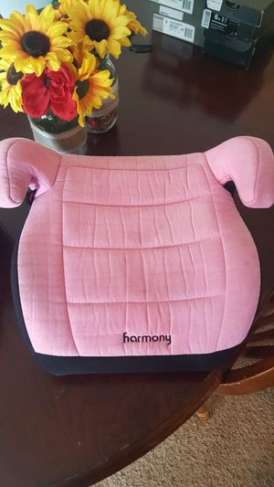 Tot girls booster car seat for Sale in Heath, OH