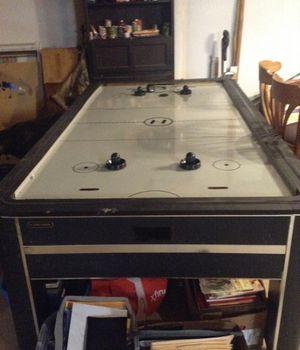 Air hockey table $30 for Sale in Dallas, GA