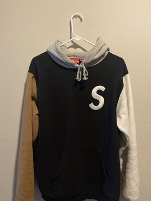 Supreme hoodie size M for Sale in Alafaya, FL