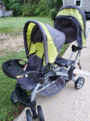 Double seated stroller for Sale in Halifax, MA