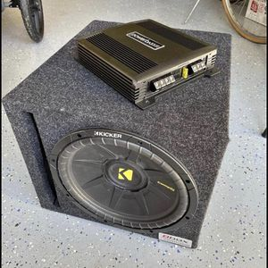 Amp and Subwoofer for Sale in Norfolk, VA