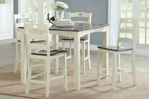 5 PIECE TWO TONE COUNTRY STYLE BREAKFAST KITCHENETTE DINING TABLE SET for Sale in Riverside, CA