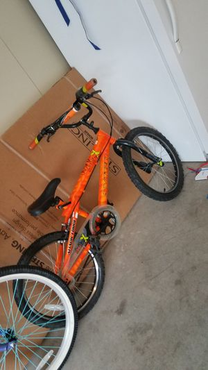 Boys/youth bike for Sale in Pleasant Hill, IA