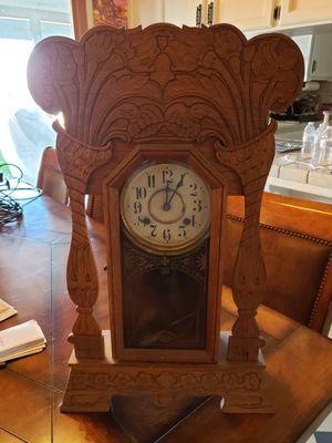 Antique clock for Sale in Sanger, CA