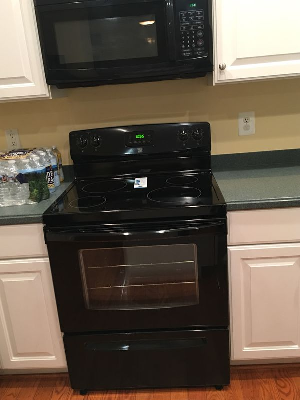 Kenmore stove microwave combo set brand new for sale