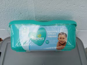 Pamper wipes tub for Sale in Palm Bay, FL