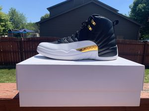 Wings Jordan 12 size 13 for Sale in Naperville, IL