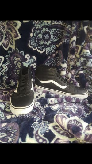 Men's leather Hightop vans for Sale in Sedro-Woolley, WA