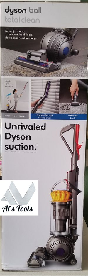 Dyson Ball Total Clean corded vacuum for Sale in Paramount, CA